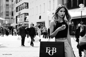Den svenske forskeren David Eriksson lanserer begrepet moralsk frakobling for å  forklare hvorfor vi ofte kjøper  uetiske varer til tross for  at vi vet bedre. Illustrasjonsbilde :Markus Koller/Flickr