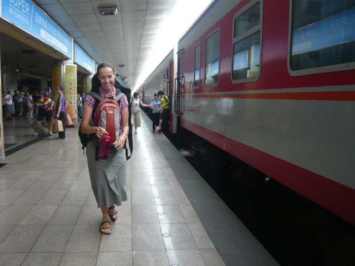 fivhmag-316-eventyr-pa-skinner-arriving-at-xian-china-august-2011-flickr-cc-eyesee