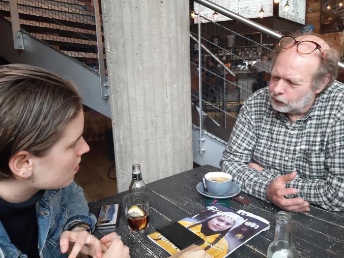 anuna i samtale med ast Brussel